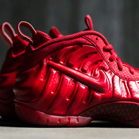『AIR FOAMPOSITE PRO』より、『AIR YEEZY 2 RED OCTOBER』を彷彿させるカラーリングが登場!!